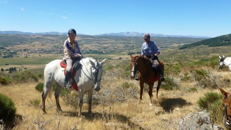 Margot & Andy Bowker about their trail ride through the Gredos Mountains Img3